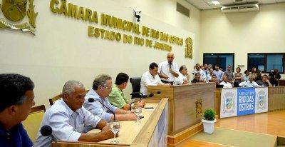 Autoridades participam da assinatura do convênio Somando Forças.