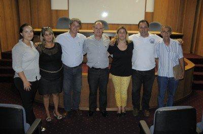 Representantes do governo, de sindicatos patronais e dos trabalhadores participaram da reunião com membros do CETERJ