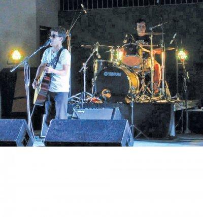 Banda Dona Opala agitou o público com muito rock no último fim de semana em Casimiro de Abreu