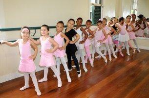 Aula de balé clássico em Sobradinho - Foto: Adilson dos Santos