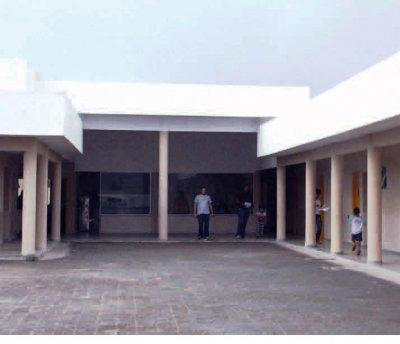 Moderno projeto arquitetônico utiliza materiais que visam reduzir o custo de manutenção, numa área de 600 m2