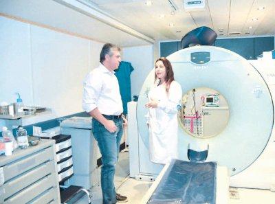 Secretário de Saúde Edson Mangefesti, disse que tomógrafo computadorizado móvel é operado por médicos radiologistas