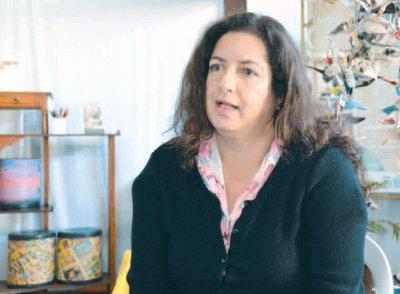 Professora Adriana Izidoro, explica que leitura envolve um número cada vez maior de pessoas
