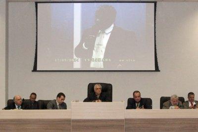 O líder da bancada governista no Legislativo, Júlio César de Barros (PPL), defendeu o projeto