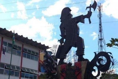 O monumento Bombeiro Herói é assinado pelo artista plástico João Batista Felga de MoraesCorpo de Bombeiros do Rio de Janeiro/Divulgação
