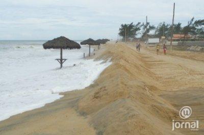 Prumo se defende e diz que realiza programa de monitoramento de erosões costeiras