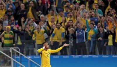 Neymar abriu o placar logo aos 12 minutos (Foto: Leonardo Benassatto/Reuters)
