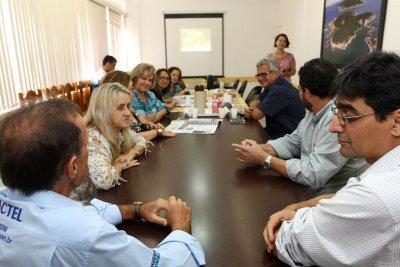 O anúncio da campanha foi feito para representantes de jornais e rádios locais, em reunião na Acim