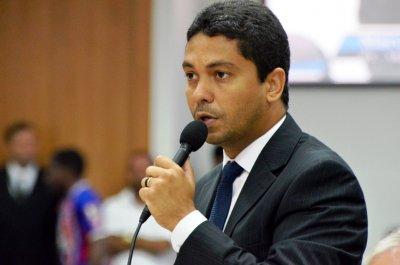 Marcel Silvano (PT), autor da proposta, obteve apoio dos demais 16 vereadores