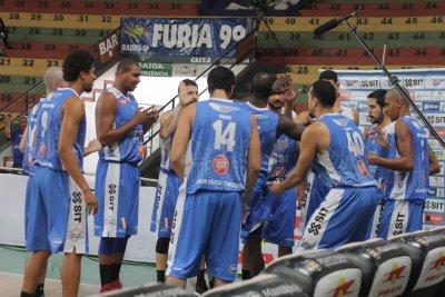 O Bauru está com a vaga encaminhada para as quartas de final do Novo Basquete Brasil