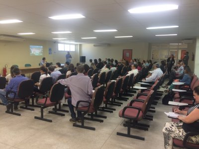 Prefeitura de Macaé organiza reunião com empresários e universidades oferecendo solução para crise