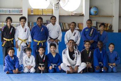 As aulas fazem parte do projeto 'Macaé vai à Luta'