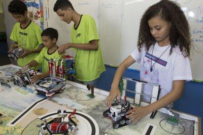 Em Macaé, a robótica envolve 11 escolas municipais