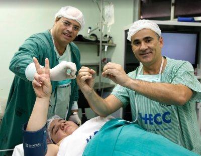 Pacientes do dr. Cid Pitombo no SUS perderam juntos mais de 90 toneladas