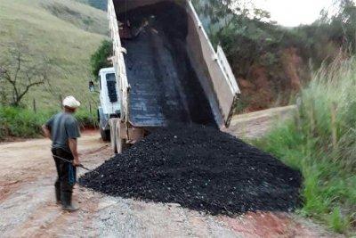 No distrito do Sana, os trabalhos são de tapa buracos