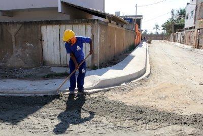 A urbanização contempla cerca de 20 ruas, com 2,5 quilômetros de vias e rede de esgoto