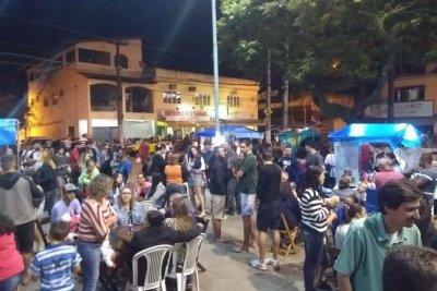 A feira acontece na praça de Córrego do Ouro, toda sexta-feira, a partir das 18h