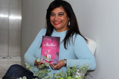 Publicado pela Editora Autografia, o livro será lançado no dia 28 deste mês, na Festa Literária de Paraty
