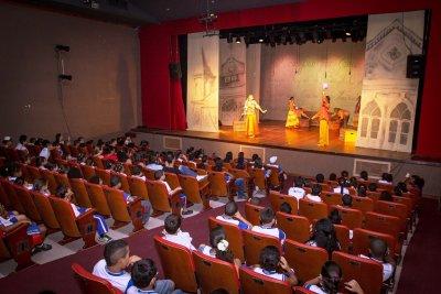 As atividades culturais visam promover o lazer e a sociabilidade educativa, valorizando a criança de modo a estimular a coletividade