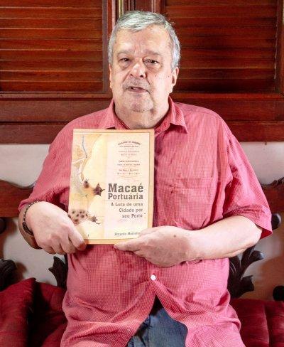 O escritor e teatrólogo, Ricardo Meirelles, lança nesta quinta-feira (11), às 18h, no Solar dos Mellos