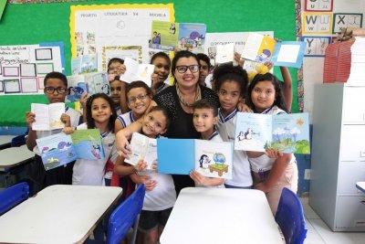 Alfabetizadores participam de cursos no Centro de Formação Carolina Garcia para reforçar as ações