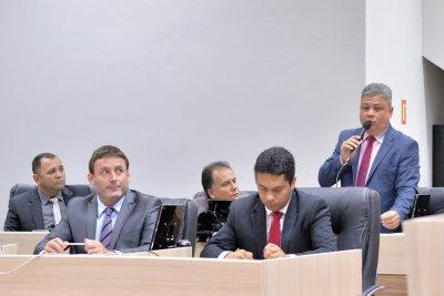 Projeto de Lei 060/2018, de Robson Oliveira (PSDB), que dá prioridade de atendimento na rede pública