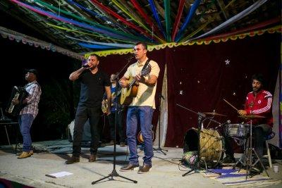 Maurício e Eliézer participam de concurso musical com mais nove finalistas