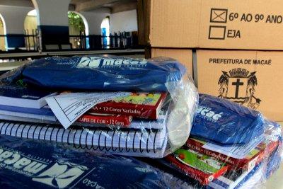 Os kits pedagógicos foram devidamente escolhidos pelas superintendências de Educação Infantil e Ensino Fundamental