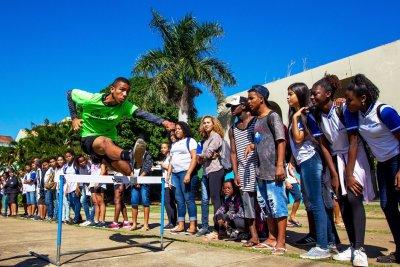 Em Macaé, a Secretaria de Esportes oferece gratuitamente uma série de modalidades esportivas e recreativas voltadas para todas as idades