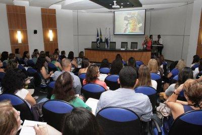 A Cidade Universitária fica localizada à Rua Aluízio da Silva Gomes, 50 - Granja dos Cavaleiros.