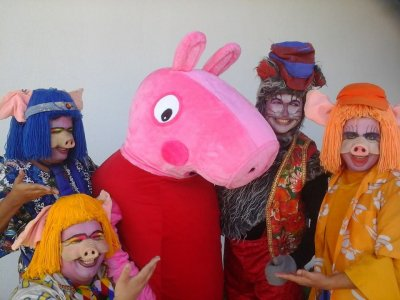 """A peça """"Peppa Pig e os Três Porquinhos"""" promete divertir a garotada."""