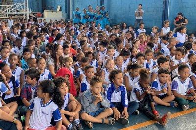 Com inscrições abertas para crianças a partir de 10 anos, a banda é reconhecida em toda a região por se apresentar em eventos da cidade e da escola.