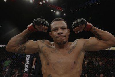 Alex Cowboy é procurado pela polícia - Divulgação / UFC