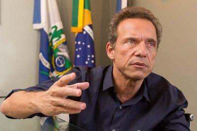 Dr Aluizio, anunciou que pagará 14º salário para os profissionais da Educação municipal. Batizado por 'Falta zero'