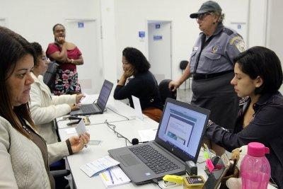 Para marcação de consultas e exames é necessário apresentar encaminhamento original, cartão SUS e comprovação de residência em Macaé.