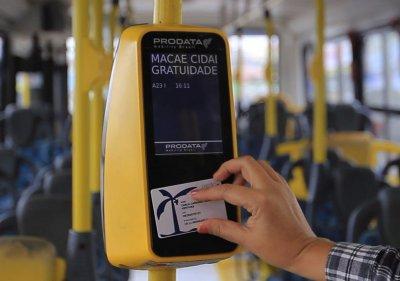 Até o momento, 148 mil pessoas já foram cadastradas no Cartão Macaé. Quem não possui o Cartão Macaé paga o valor integral da passagem que é de R$ 3,05