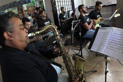Muitos músicos da Orquestra Popular são professores da Emart
