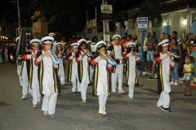 Apresentação da Banda Musical União Quissamaense, nos jardins da Prefeitura