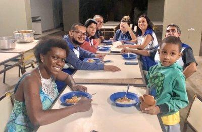 A subsecretária Cristiane Lamarão e equipe visitaram abrigos em Bom Jesus e Itaperuna