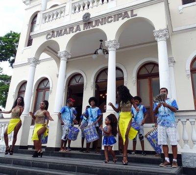 Bateria do grupo Amigos do Samba atraiu o público