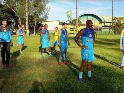 Macaé Esporte treina em Xerém
