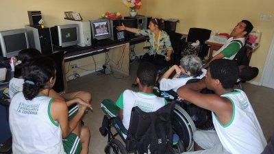 A proposta é angariar recursos para manter os compromissos financeiros da instituição que assiste cerca de 200 crianças em Macaé e conta com 25 profissionais.