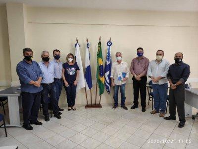 Repensar se reúne com candidatos à prefeitura de Macaé
