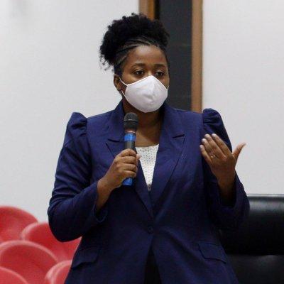 Vereadora Iza Vicente pediu, através de proposição, para a prefeitura o não prosseguir com o despejo das instituições