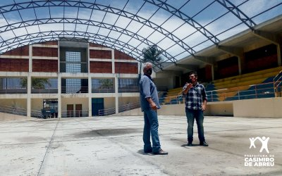 Poliesportivo está totalmente abandonado há anos e pode ser palco de grandes eventos esportivos e turísticos