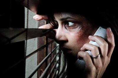Violência contra a mulher não é apenas agressão física