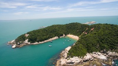 A Ilha do Francês faz parte do Arquipélago de Sant'Anna, que fica a oito quilômetros da costa de Macaé