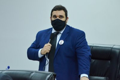 Segundo o Projeto de Lei (PL) de Thales Coutinho (Podemos), multa pode chegar a R$6.290, para quem furar a fila da vacina contra a Covid-19